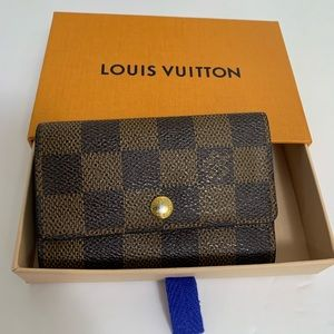 Louis Vuitton Damier 6 key holder